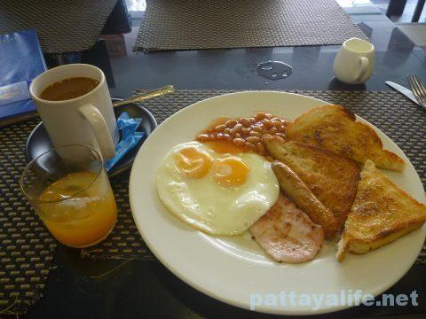 the-coins-pattaya-breakfast-1
