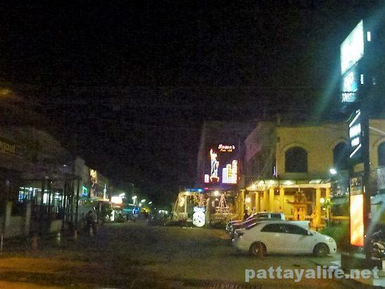 surin-night-life-13