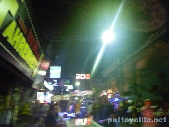 walking-street-midnight-3