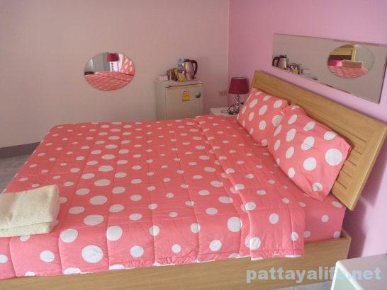 Buakhao paradise pattaya room (1)