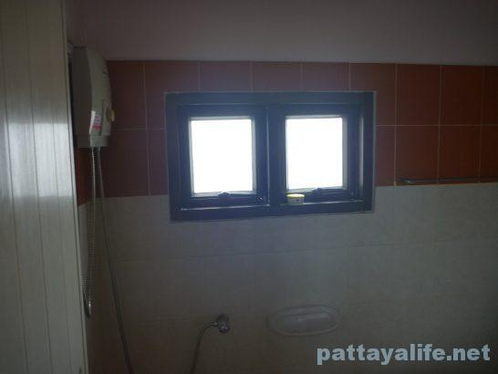 Buakhao paradise pattaya room (4)