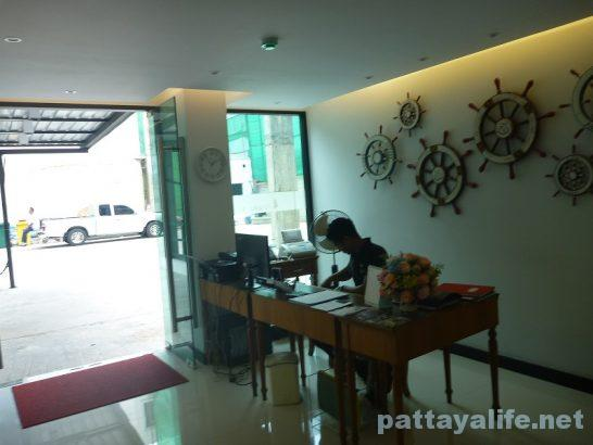 deep-blue-z10-hotel-pattaya-4