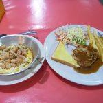 パタヤタイの39バーツステーキ屋再訪。ポークカツとカイガタと白身魚フライ。