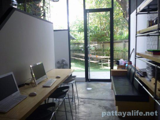 Cube hostel Silom (2)