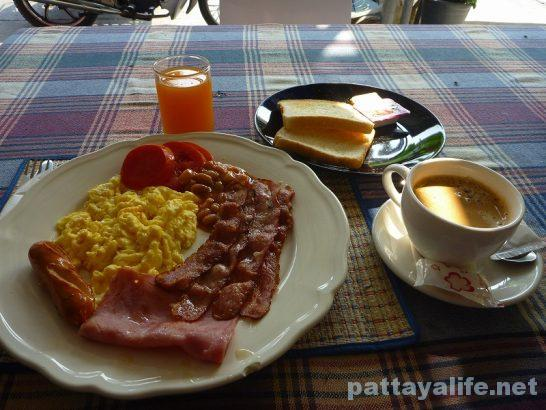 Pattaya Klang breakfast
