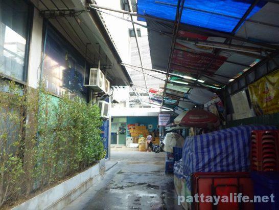 The cube hostel Silom (14)