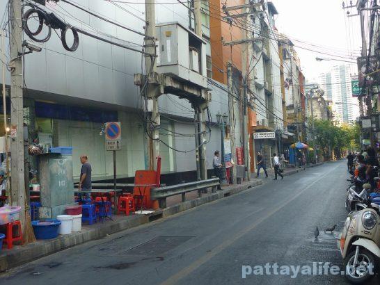 The cube hostel Silom (17)