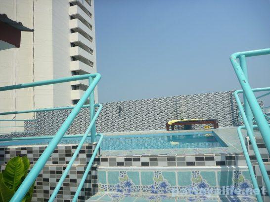 The garden palce pattaya swimming pool (4)