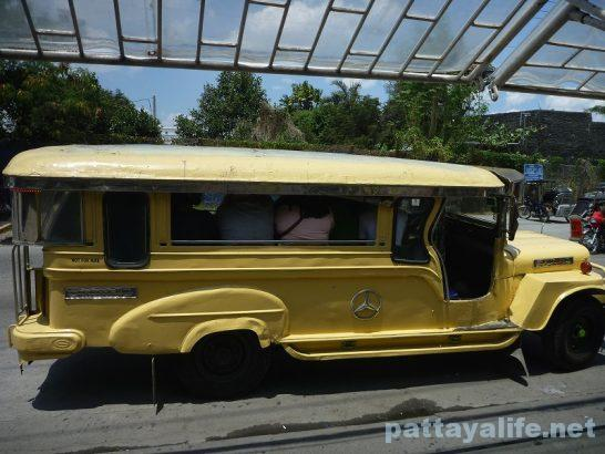 Angeles jeepny (1)