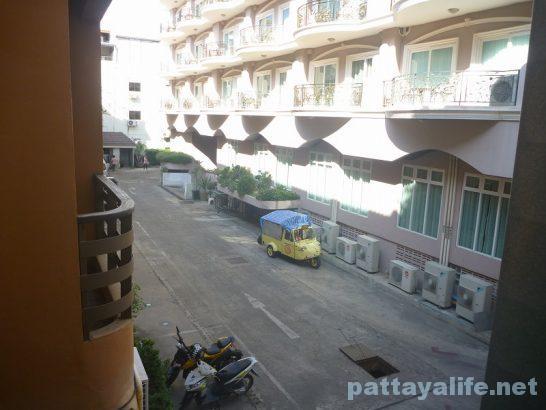 Robin's nest guesthouse pattaya (8)