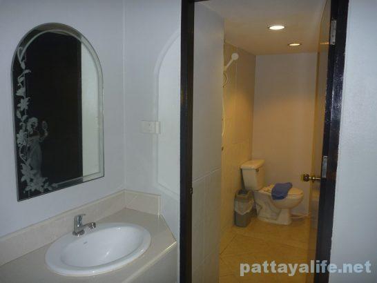 Robin's nest guesthouse pattaya (9)