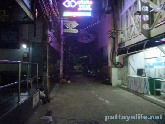 Songkran wanrai walking street (1)