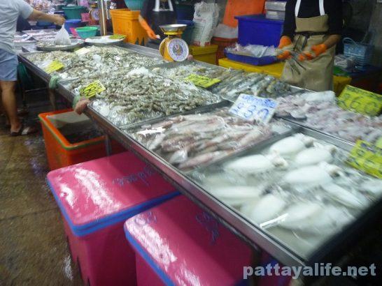 Naklua seafood market (7)