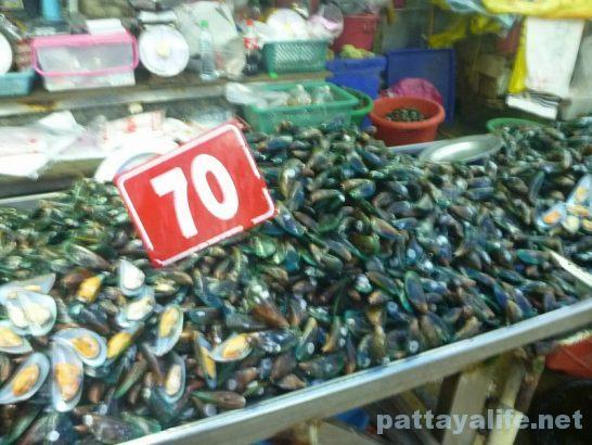Naklua seafood market (9)