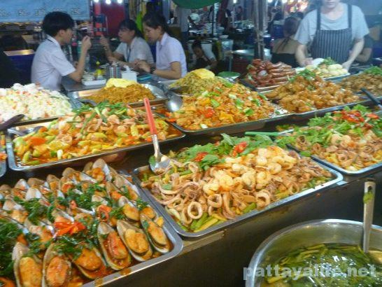 Pattaya Thepprasit night market (10)