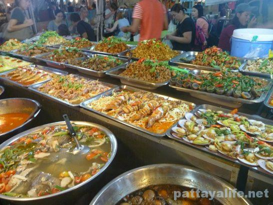 Pattaya Thepprasit night market (9)