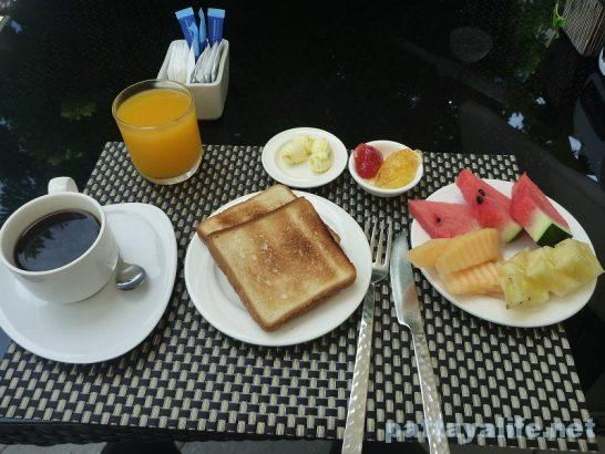 D beach restaurant breakfast (7)