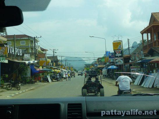 Luangparaban to Vanvieng minivan trip (19)