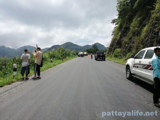 Luangparaban to Vanvieng minivan trip (2)