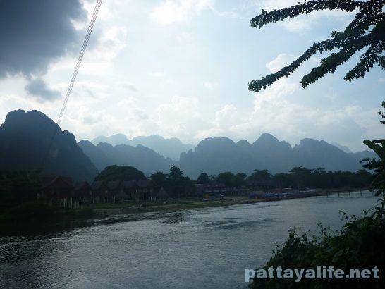 Luangparaban to Vanvieng minivan trip (21)