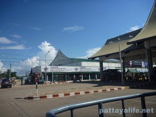 Vientiane to Thailand Bus (6)