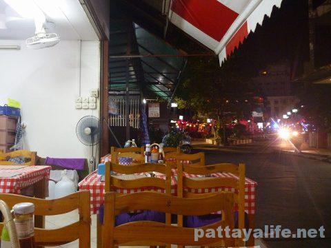 Market cafe soi new plaza マーケットカフェグリル (7)
