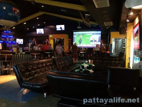Legends pool & sports bar ビリヤード場 (3)