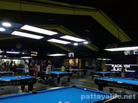 Legends pool & sports bar ビリヤード場 (6)