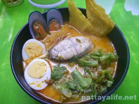 マハーサムット魚バミー (1)