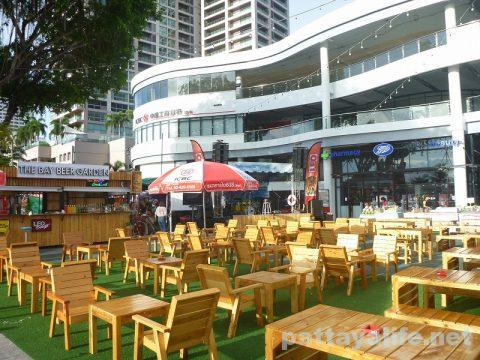 The Bay market beer garden (3)