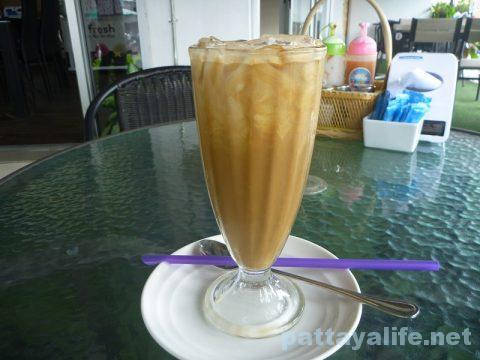 サードロードのレストラン Khun OPOR (6)
