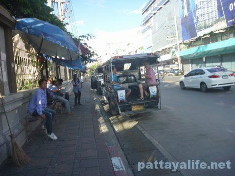 パタヤからスワンナプーム空港経由ドンムアン空港行きバス乗り継ぎ (4)