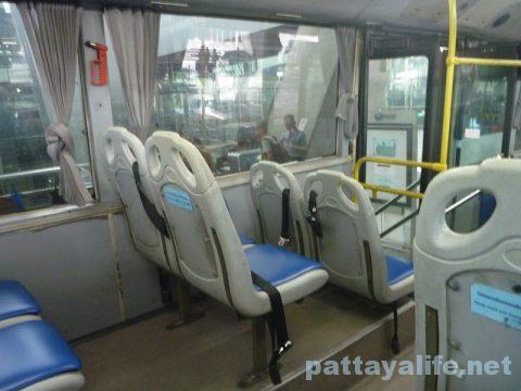 パタヤからスワンナプーム空港経由ドンムアン空港行きバス乗り継ぎ (13)