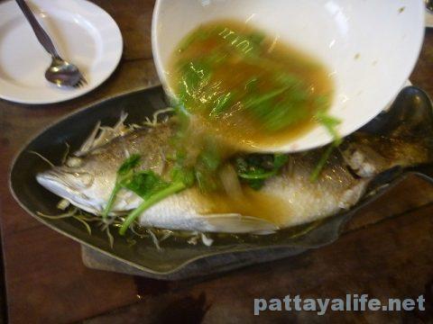 カオトムプラジャンバンの魚プラーサワイ (1)