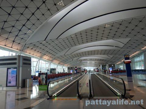 香港からクラーク空港アンヘレスへ (8)