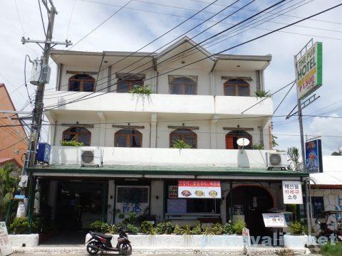 スービックTHE PUB HOTEL (1)