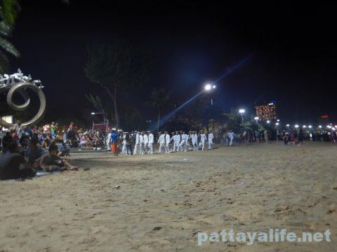 アセアン50周年パタヤビーチ花火大会 (3)