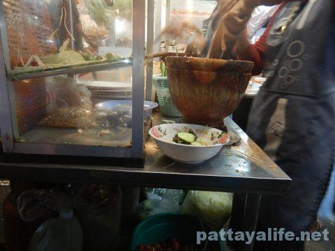 オンヌットのイサーン料理屋台 (2)