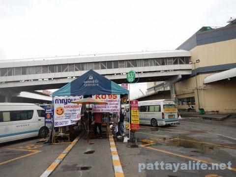 ドンムアン空港からパタヤへバス乗り継ぎ移動 (10)