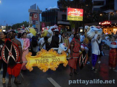 アセアン50周年パタヤビーチパレード (27)