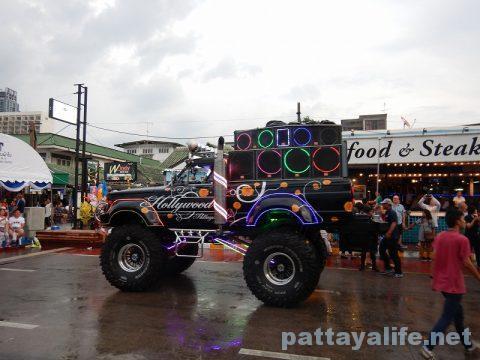 アセアン50周年パタヤビーチパレード (13)