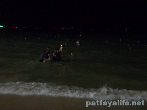 ロイクラトンパタヤビーチ (12)