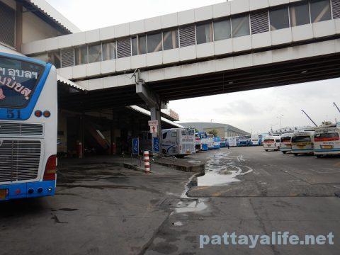 ドンムアン空港からパタヤへバス乗り継ぎ移動 (11)