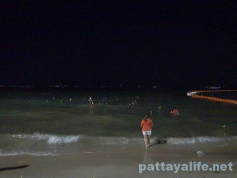 ロイクラトンパタヤビーチ (14)
