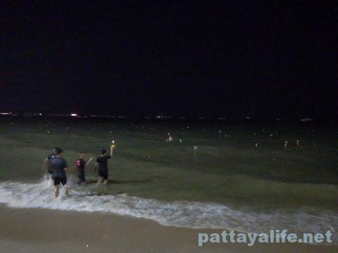 ロイクラトンパタヤビーチ (11)