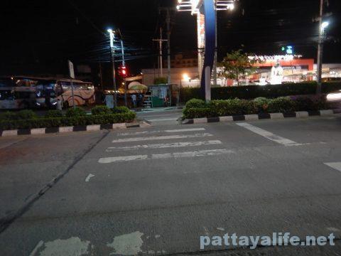 ドンムアン空港からパタヤへバス乗り継ぎ移動 (18)