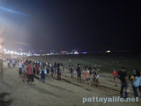 ロイクラトンパタヤビーチ (4)