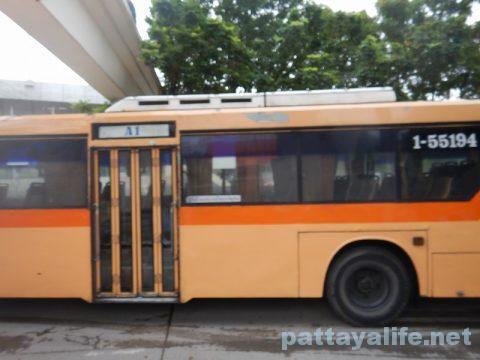 ドンムアン空港からパタヤへバス乗り継ぎ移動 (4)