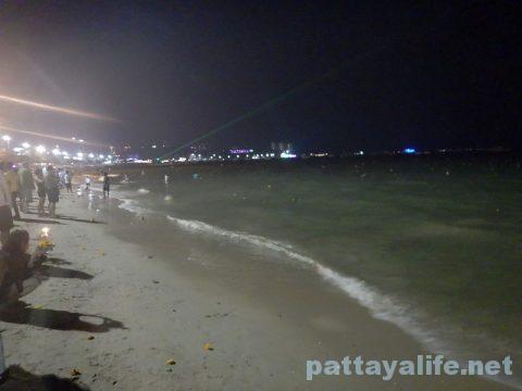 ロイクラトンパタヤビーチ (13)
