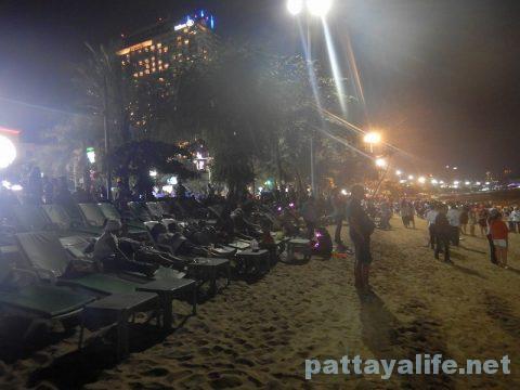 ロイクラトンパタヤビーチ (7)